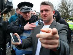 Letartóztatták Tommy Robinsont, mert megtámadott egy pedofilt, aki a 9 éves lányát molesztálta az us