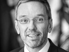 Herbert Kickl: Ezért bomlott fel a koalíció. Az ÖVP ki akarta kényszeríteni a visszavonulásom a belü