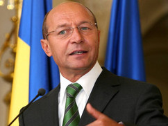Traian Băsescu megszakítaná a kapcsolatokat Magyarországgal Potápi Árpád beszéde miatt