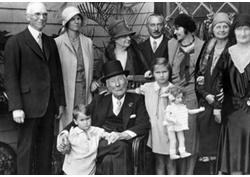Vajda Miklós: A Rockefellerek (1.)