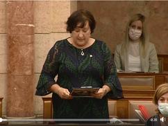 Gurmai vs Rétvári: Gurmai Zita elvtársnő felszólalására adott fantasztikus hazafias választ Rétvári