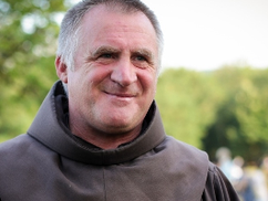 """""""5:3-ra győztünk"""" – Böjte Csaba a Mandinernek Ferenc pápa csíksomlyói látogatásáról"""