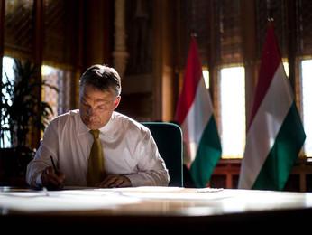 Orbán Viktor a Die Zeitnak: Mi vagyunk a jogállamiság utcai harcosai, forradalmárai, ez az életünk
