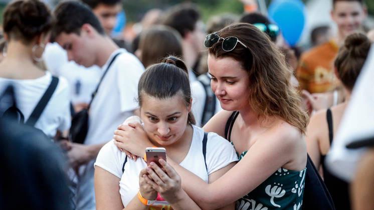 2019-es adat: kétharmaduk már csak és kizárólag az internetről tájékozódik Fotó: Mirkó István