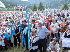 Ökumenikus istentiszteletet tartottak az úzvölgyi csata 75. évfordulóján