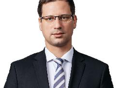 Magyarországot vádolja antiszemitizmussal annak az országnak a politikusa, ahol az elmúlt évben zsid