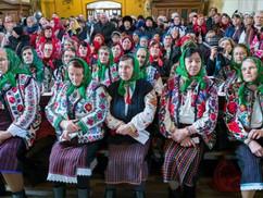 Zsúfolásig megtelt a bákói Szent Miklós plébániatemplom az első moldvai magyar misére (+ videó)