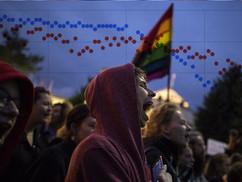 Rohamosan csökken a magukat heteroszexuálisnak nevező fiatalok száma nyugaton