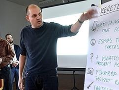Homoszexuális párokra is érzékenyítik a pécsi gyerekeket a Zsolnay-negyedben