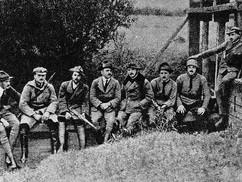 101 éve alakult meg a Rongyos Gárda, akik felvették a kesztyűt a vörös terroristákkal és a hazaáruló