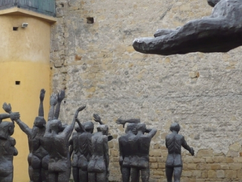 Máramarossziget, Börtönmúzeum. Ana Blandiana verse magyarul