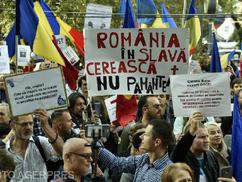 A kötelező maszkviselés ellen tüntettek Bukarestben