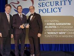 Kereszt népe kitüntetést kapott Magyarország