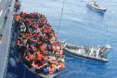A balliberális ideológia béklyóiban: Dánia nem segít a görög hatóságoknak a migránsáradat leküzdéséb