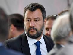 Országát védelmező olasz politikust fosztottak meg mentelmi jogától és rángattak bíróság elé