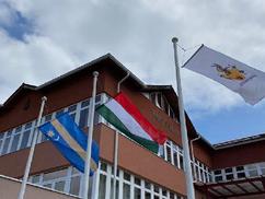 Bátonyterenye tiltakozása: székely zászlóra cserélték az uniós lobogót