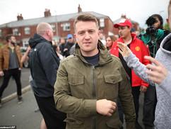 Muszlim banda támadt Tommy Robinsonra (videók, képek)