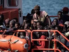 """""""Folyamatos migrációs válságban élünk"""" – szakértők az új népvándorlásról. Konferencia"""
