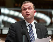 A Kúria Baka tanácsa megtagadta a jóvátételt a 2006 őszi rendőrterror egyik ikonikus áldozatától (+