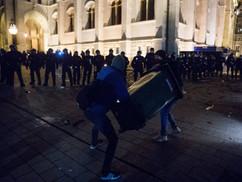 Fröcsögjön a vér! Verd szét a rendőr fejét! - így tombolt az ellenzéki csürhe