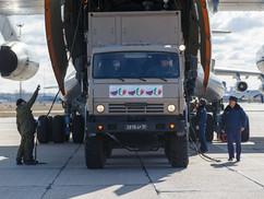 """""""Oroszországból szeretettel"""" – Hétfőre a 9. orosz repülőgép is megérkezett Olaszországba (+ hozzászó"""