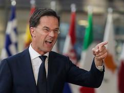 Ez a holland fickó szerelmes a jogállamba, ezért minket támad magyar csatlósaival, de otthon némileg