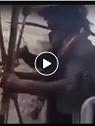 Így fogadják az ausztrál őslakosok a hatóság embereit, akik erővel próbálják beadni az 💉-t