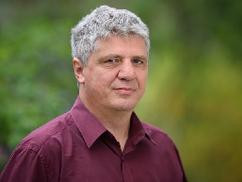 Ungváry Zsolt: Ismerjük már a nyolc osztályt végzett kommunistákat