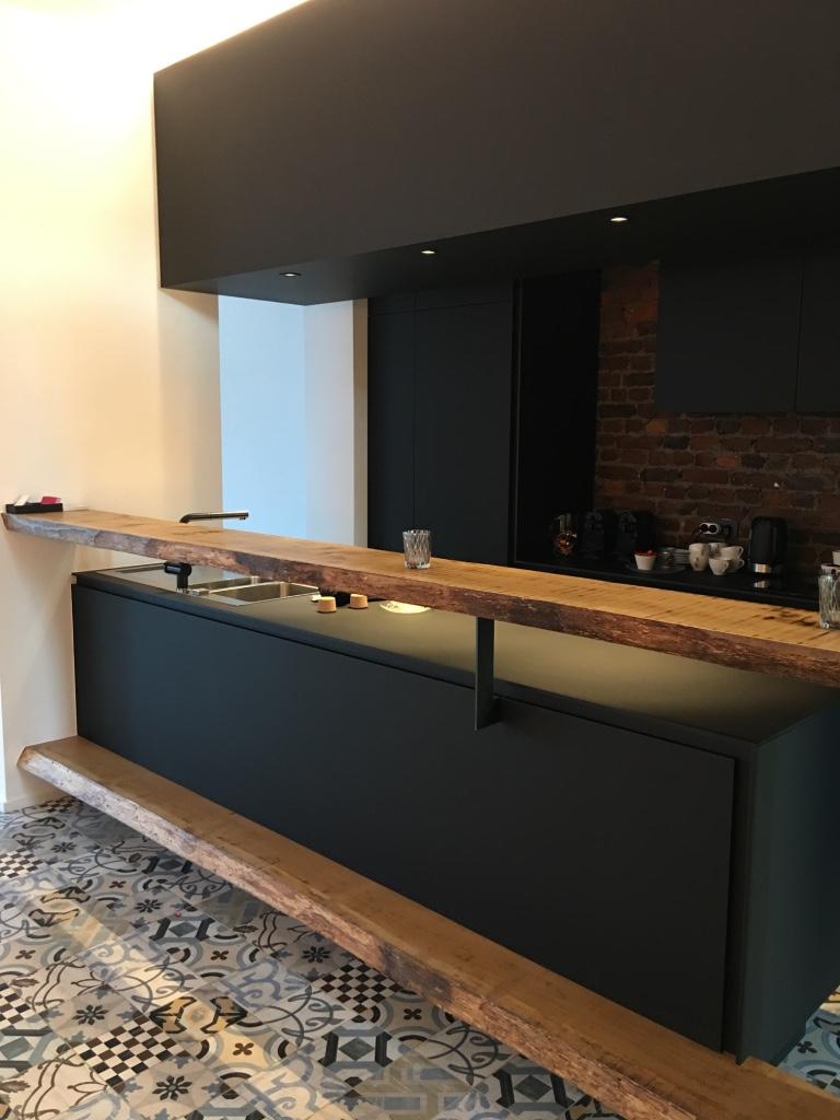 espace bar noir mat