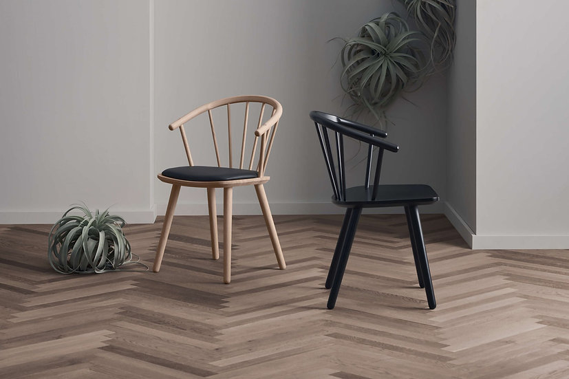 bolia sleek dining chairs on oak and beech
