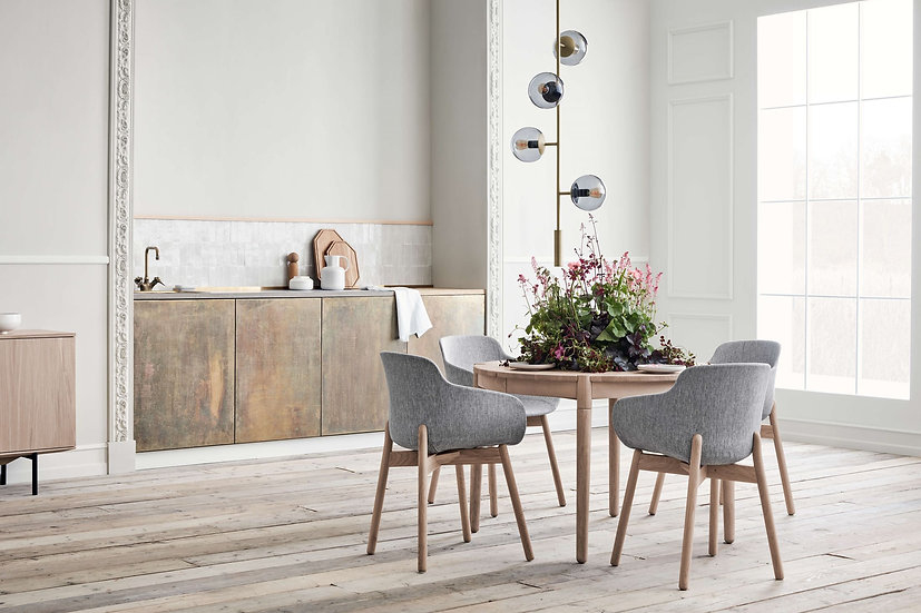 bolia fusion dining table with dining chairs