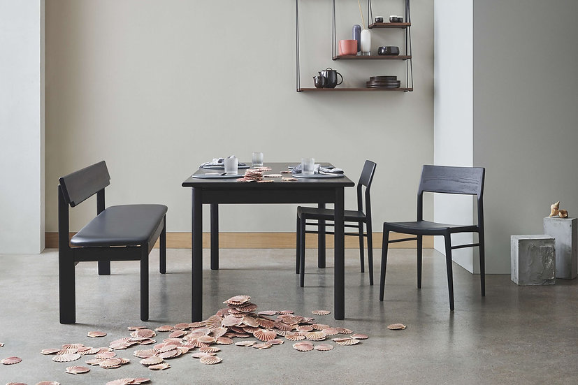 bolia loyal dining table with chicago chairs