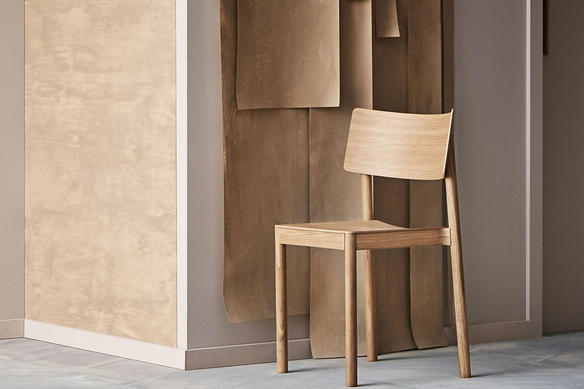 bolia tune dining chair in oiled oak