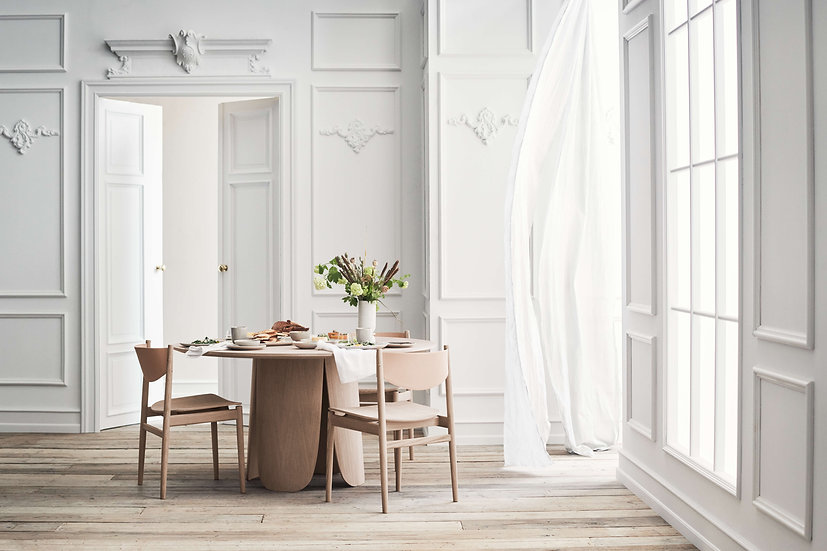 bolia peyote dining table with apelle chairs