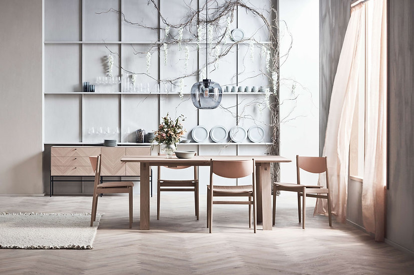 Apelle dining chair
