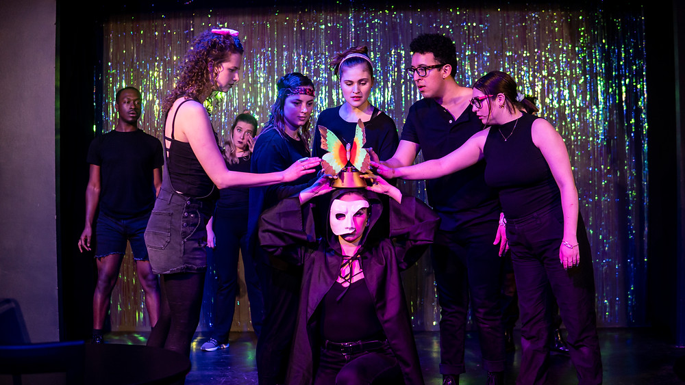 , Cat McGee, Anne Martin, Mateo Hernandez, Alison Smith, and Kelsey Erhart in 'The Hilary Duff Project'. Photo by Sarah Potter.