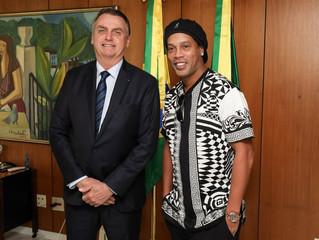 Ronaldinho Gaúcho é nomeado embaixador do turismo