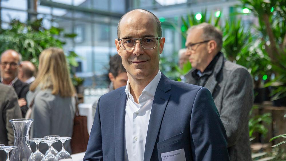 Prof. Ernesto Turnes, Leiter Kompetenzzentrum Banking & Finance