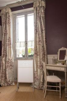 Paire de rideaux en soie brodée (tissu Créations Jab)