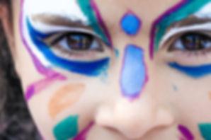 makeup-1909386_1920.jpg
