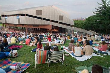mann-center-summer-concert-lawn-680uw.jp