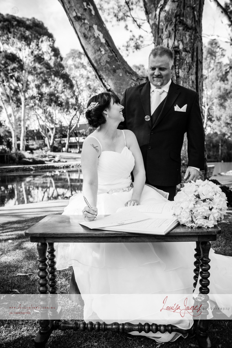 ljp ld 4893 bw Geelong Wedding web.jpg