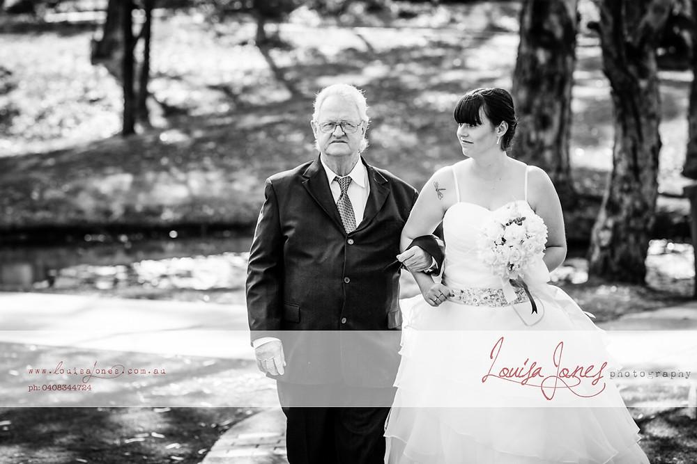 ljp ld 4437 bw Geelong Wedding web.jpg