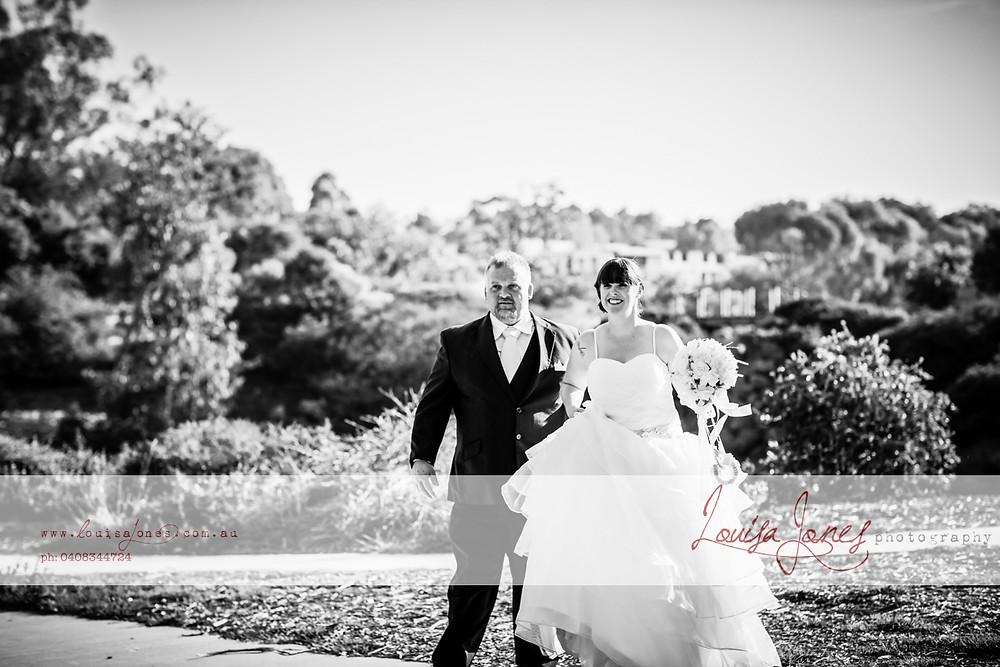 ljp ld 4528-Edit bw Geelong Wedding web.jpg