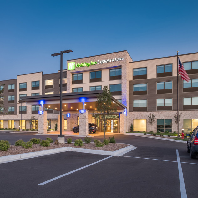 Holiday Inn Express & Suites | West Allis, WI