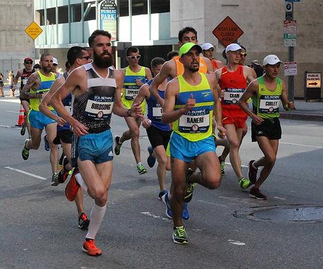 Elite marahon coach Brandon Birdsong running in the 2016 Olympic Marathon Trials