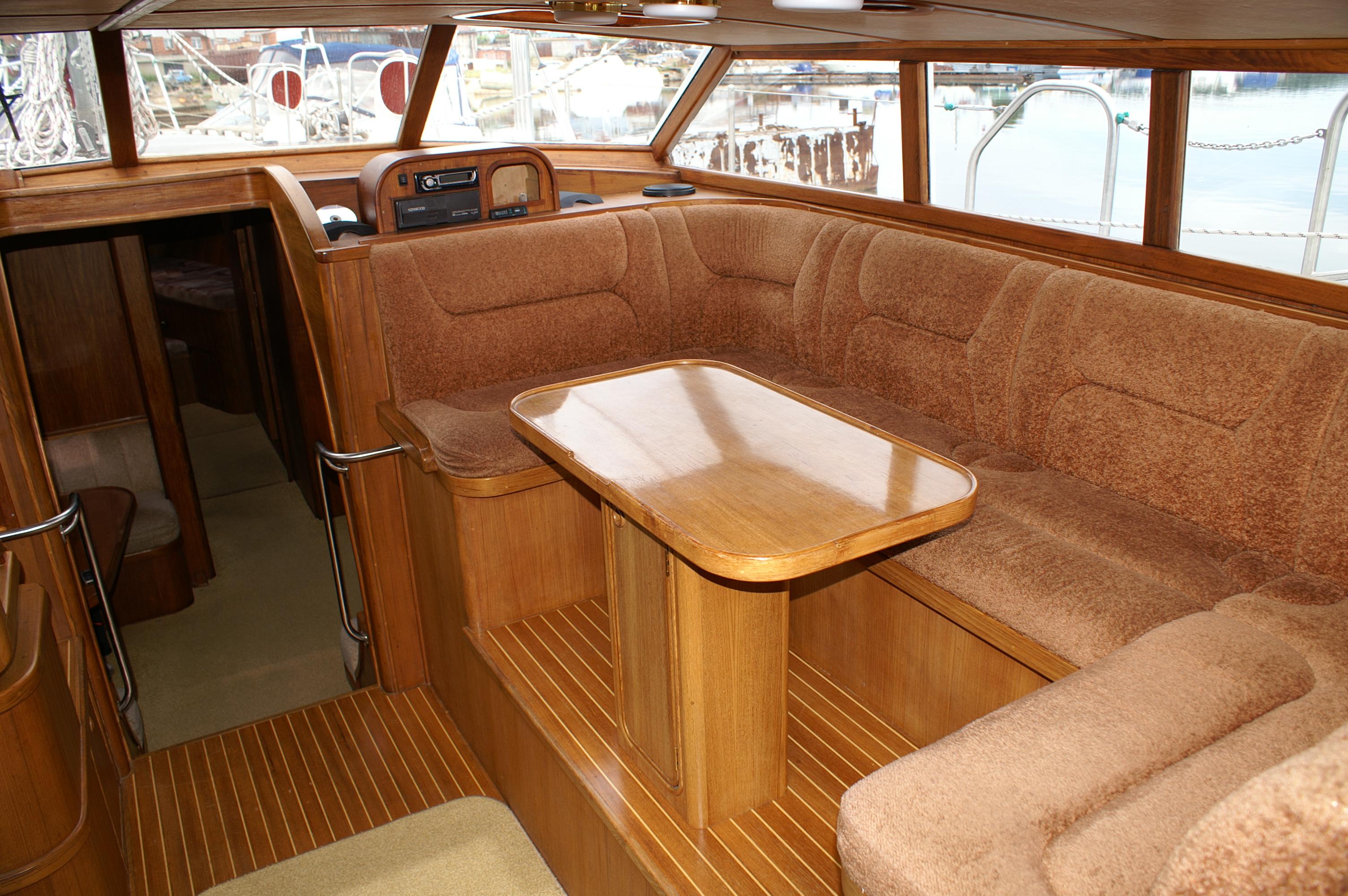 Яхта 1