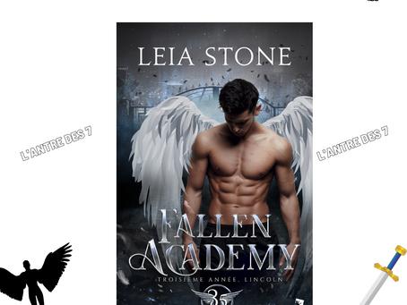 Fallen Academy, Tome 3.5 : Troisième année, Lincoln, écrit par Leia Stone