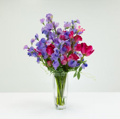 Sweet Pea Bouquet in Hexagon Vase