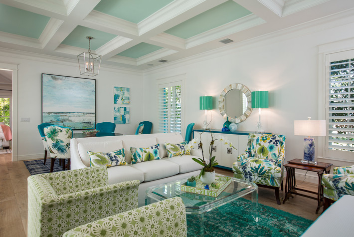 Living Room in Vero Beach by Interior Designer Tiffany SweeneyDecor Envy 03